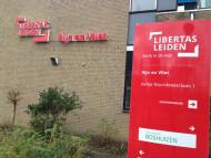 Gevelletters Zuil Leiden